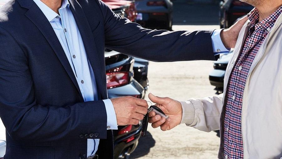 Autobedrijf raakt contact met klant kwijt.